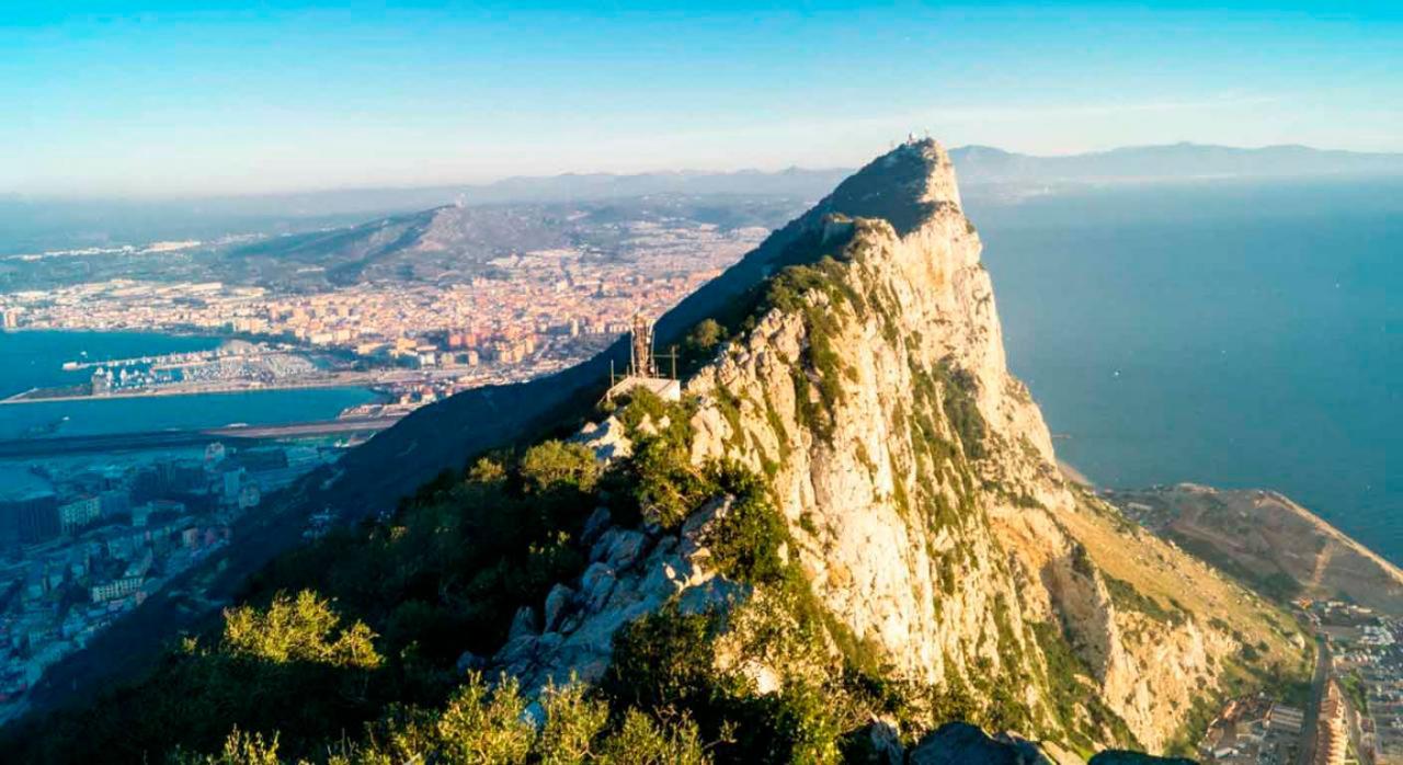 Gibraltar: acuerdo fiscal entre España, Gran Bretaña e Irlanda del Norte. Imagen del peñón de Gibraltar