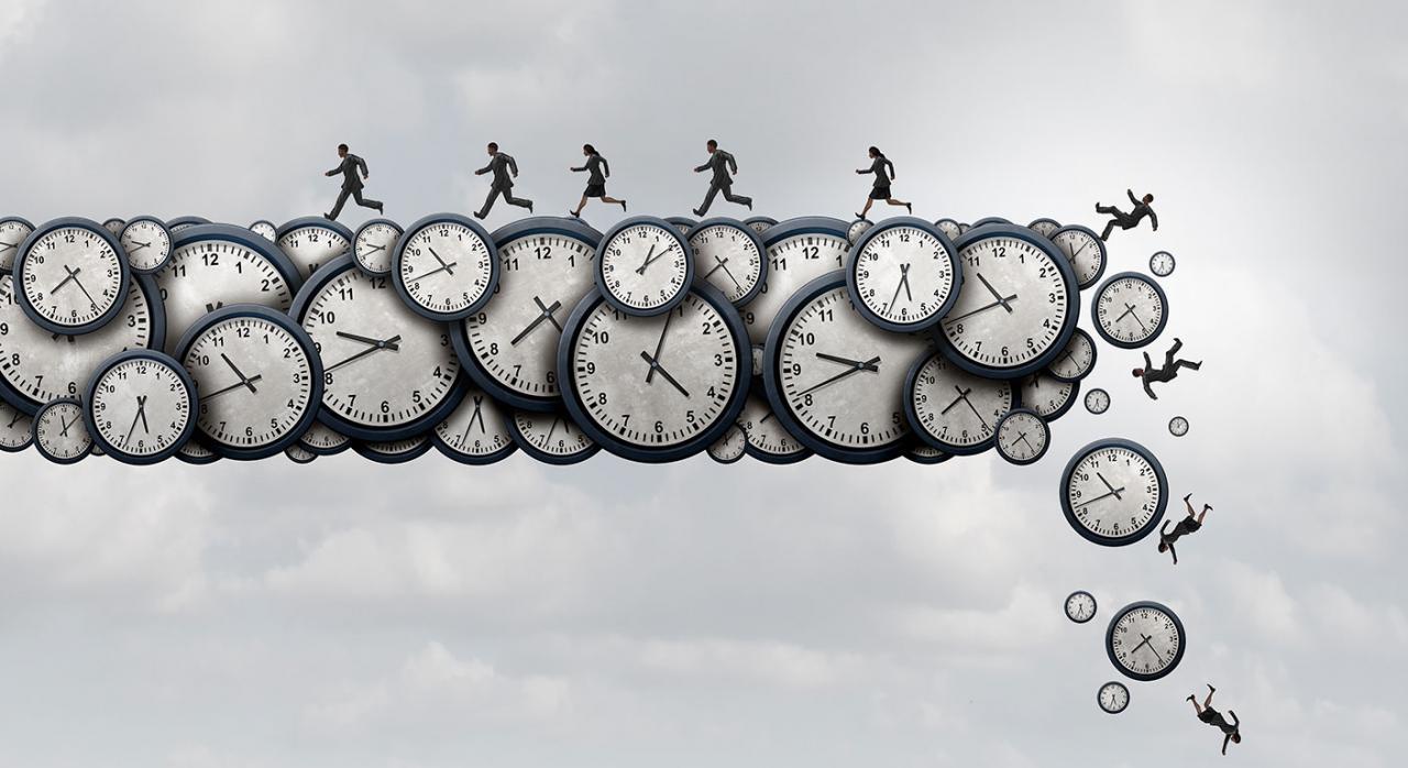 Aplazamiento declaraciones fiscales. Imagen de relojes