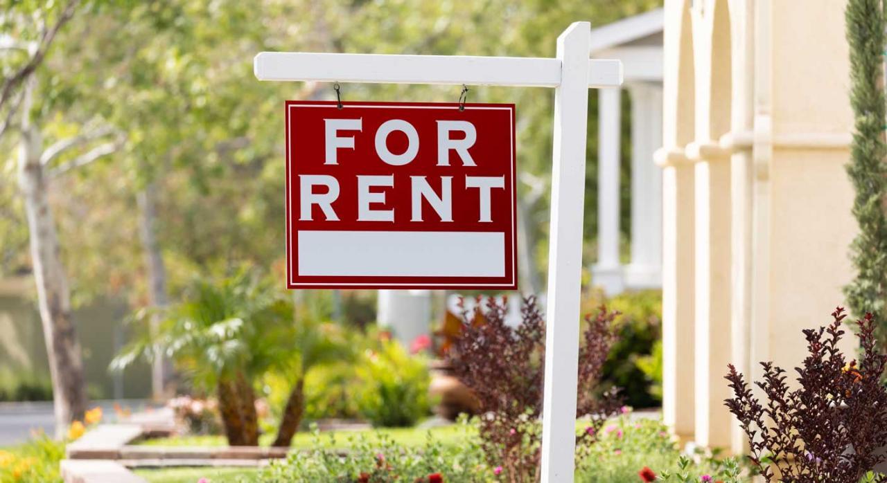 Imagen de inmueble con letrero de arrendamiento. Reinversión de beneficios