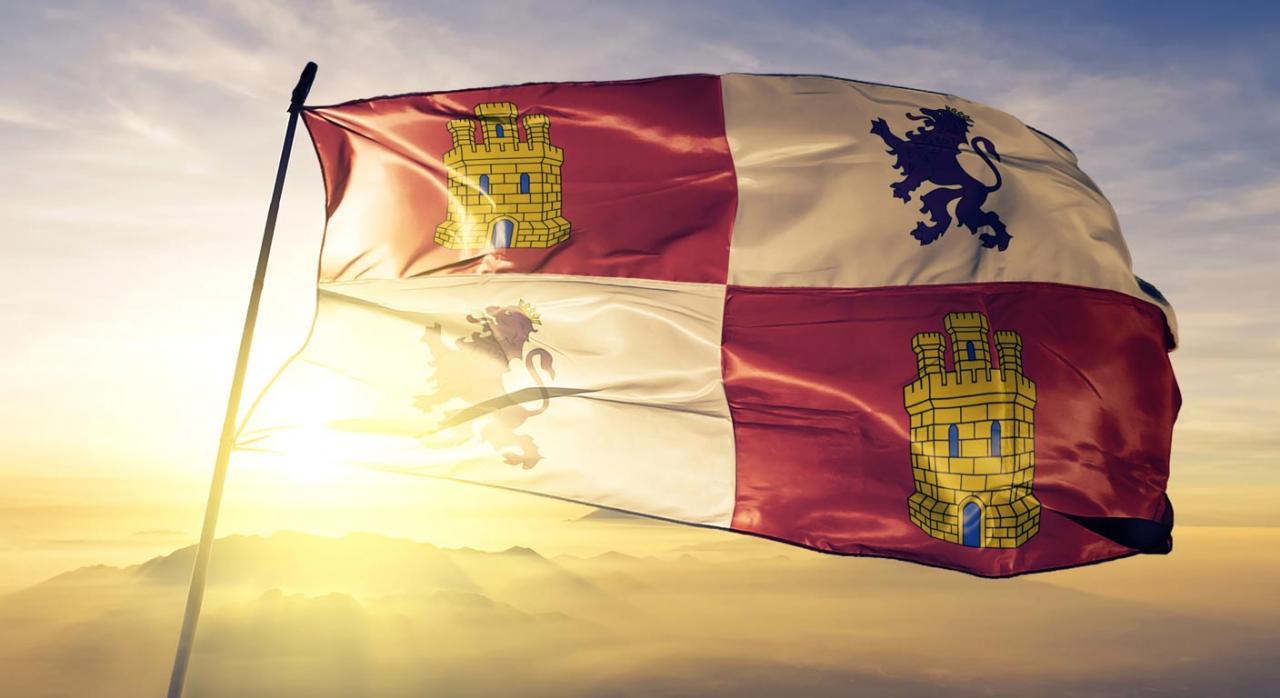 Castilla y León modifica sus deducciones por cuidado de hijos, por adquisición de vehículo eléctrico y establece un nuevo tipo en el ITP. Imagen de la bandera autonómica de Castilla y León