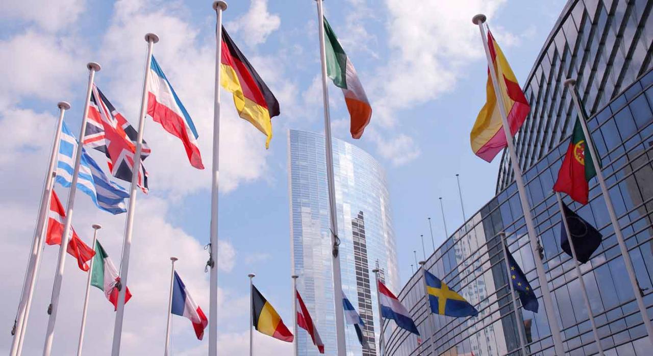 Impuestos Especiales. Banderas que componen la Unión Europea