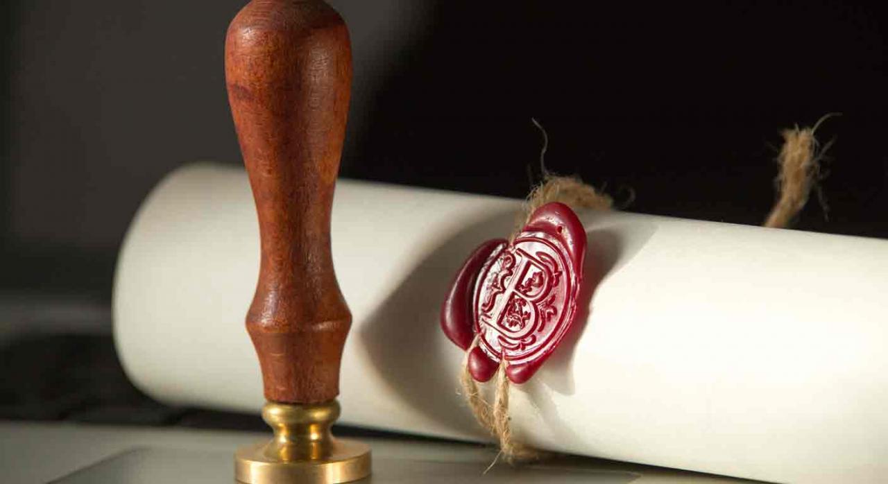 Bonificación del 99% en el ISD castellanoleonés. Imagen de pergamino y sello