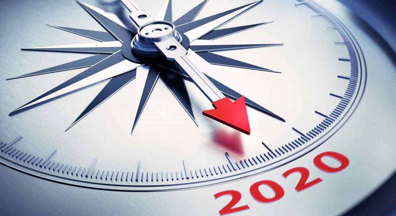 Fiscalidad autonómica. Brújula metálica señalando al año 2020