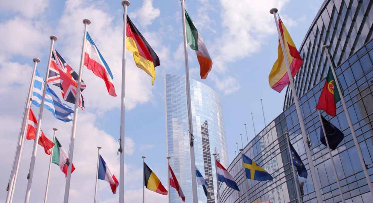 Banderas que componen la Unión Europea