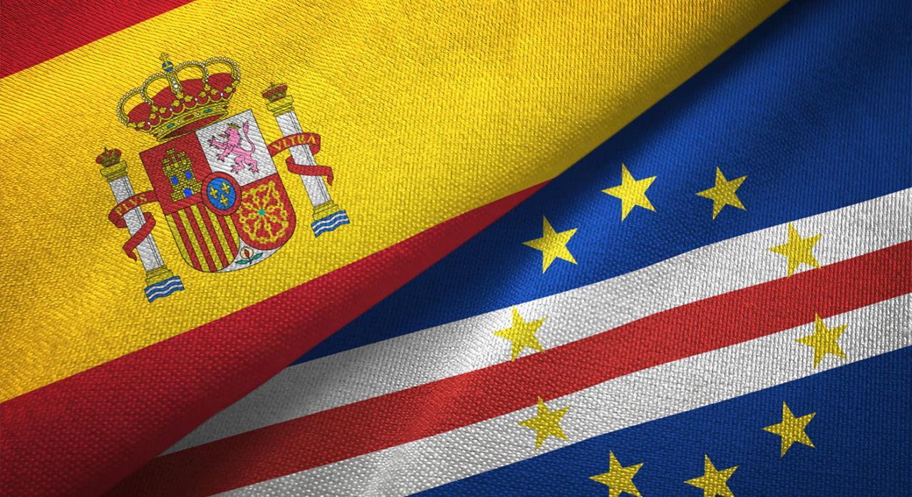 Convenio España Cabo Verde. Imagen de las banderas de España y Cabo Verde