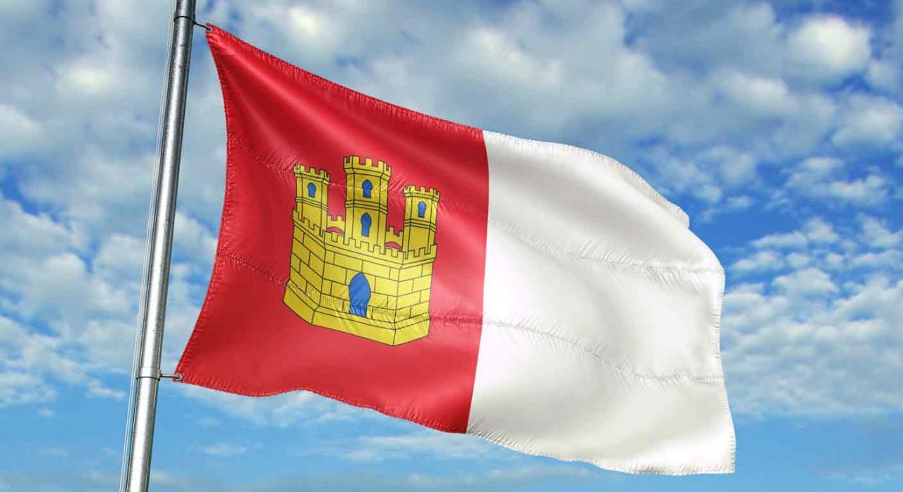 Medidas tributarias en Castilla-La Mancha. Bandera ondeando de Castilla-La Mancha