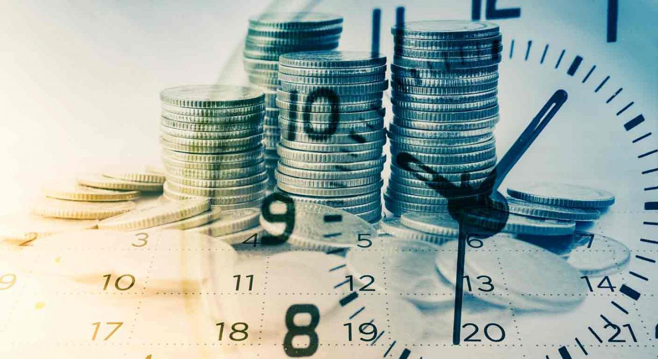 Rectificación de la liquidación del IS. Imagenes sobrepuestas de monedas, un reloj y un calendario