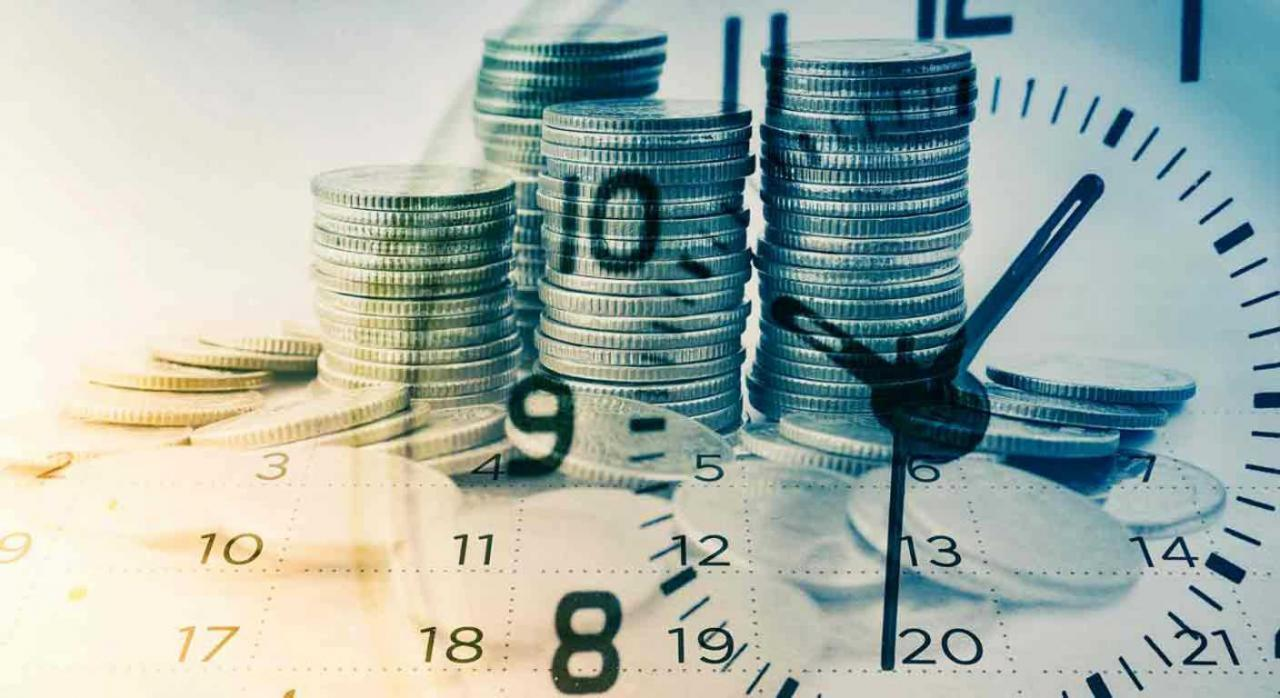 Modificaciones en el RD de estado de alarma que inciden ámbito fiscal. Imagen de reloj analógico, calendario y monedas