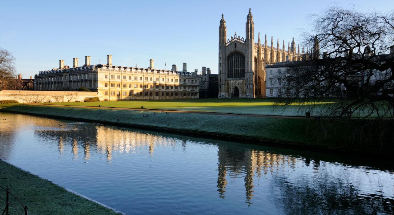 Universidad de Cambridge. Ayudas públicas exentas de IRPF
