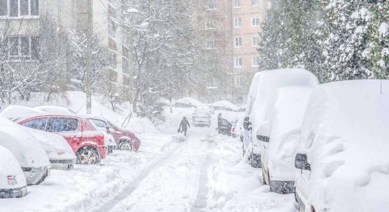 Temporal Filomena: aprobadas medidas tributarias. Imagen de calle cubierta de nieve en una ciudad