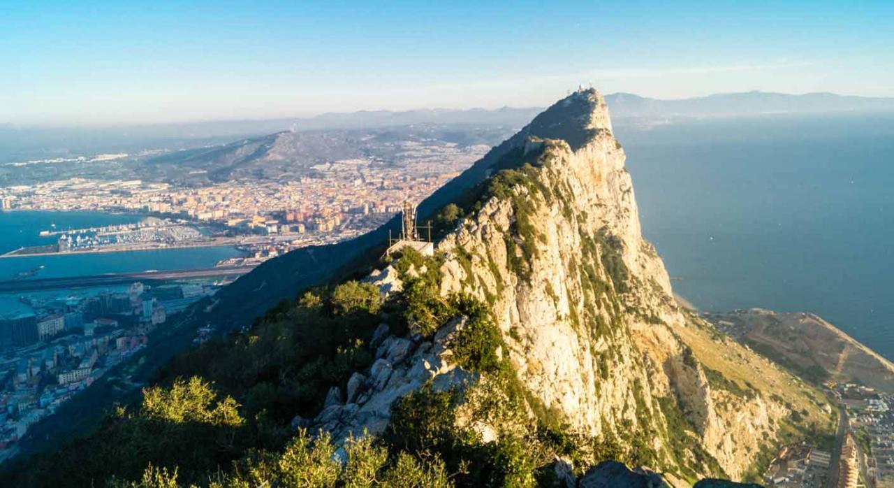 Acuerdo, fiscal, Gibraltar. Vista aérea del Peñón del Gibraltar