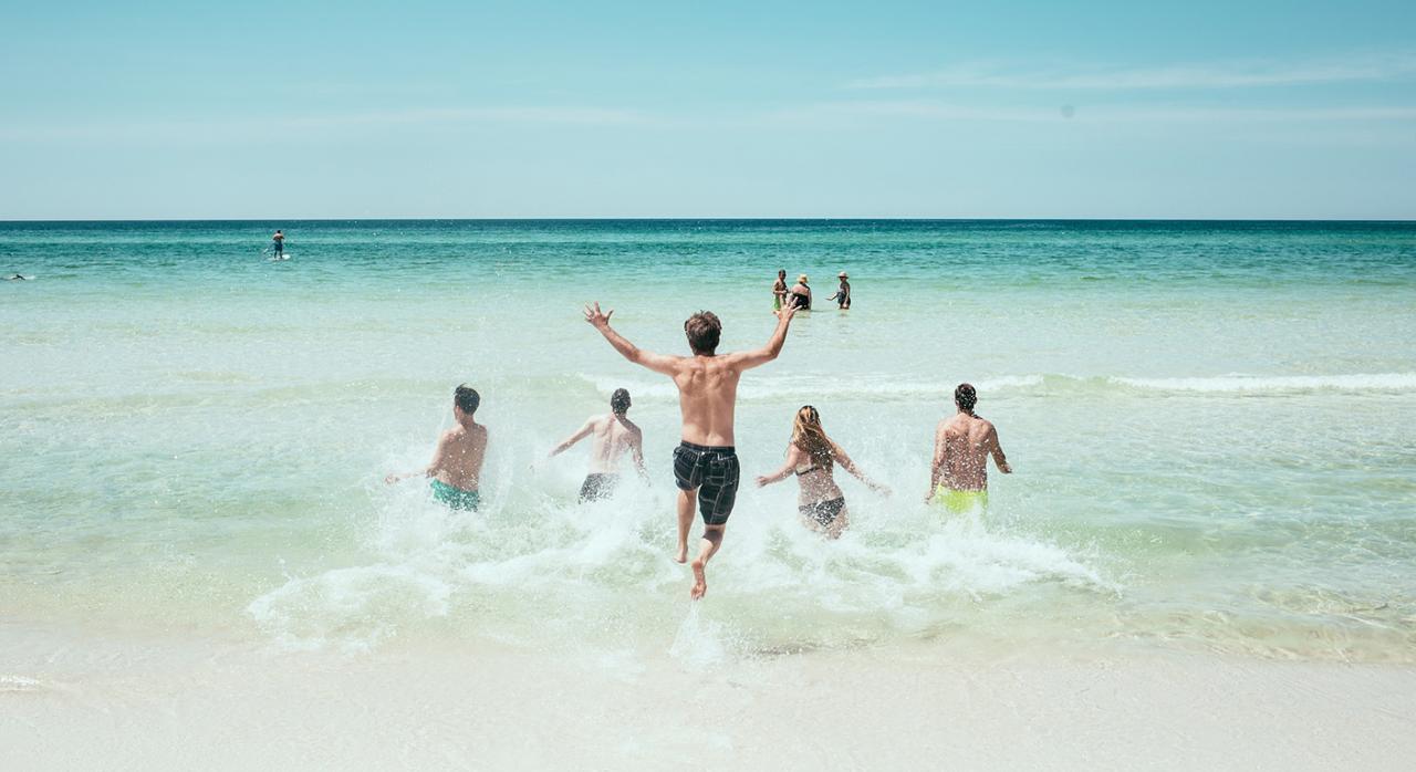 Presentación de impuestos. Imagen de una playa