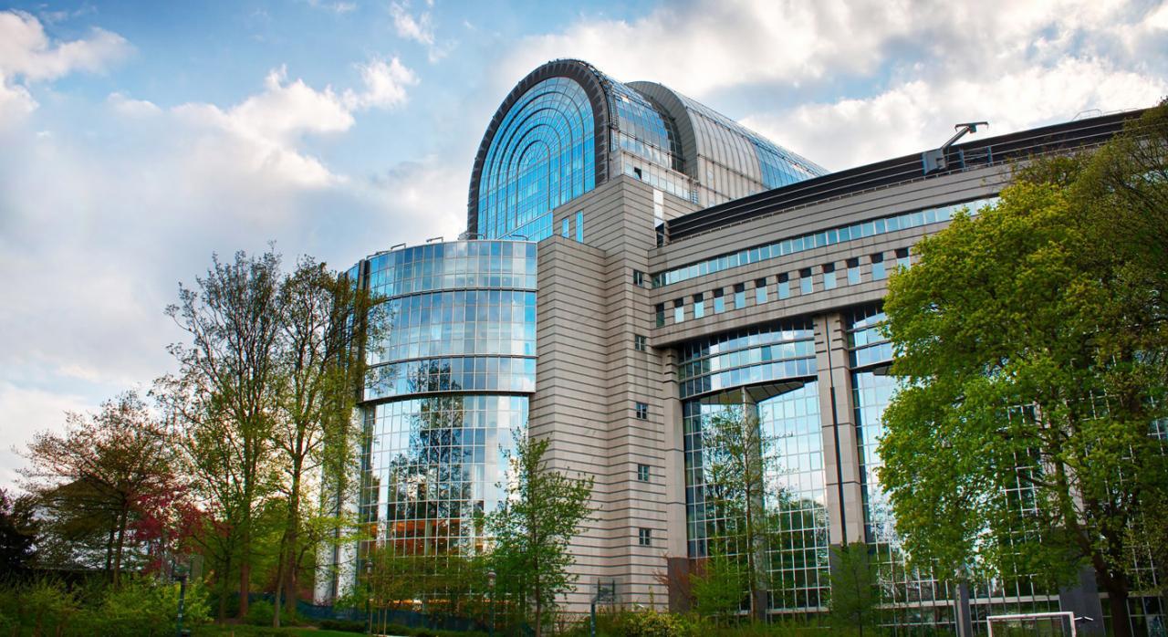 Parlamento Europeo: las multinacionales tendrán que tributar donde obtengan sus beneficios