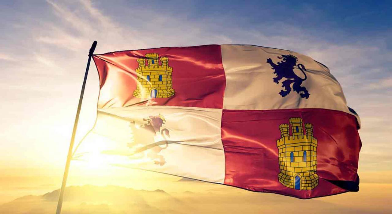 Castilla y León amplía la presentación y pago del ISD e ITPAJD. Bandera ondeando de Castilla y León