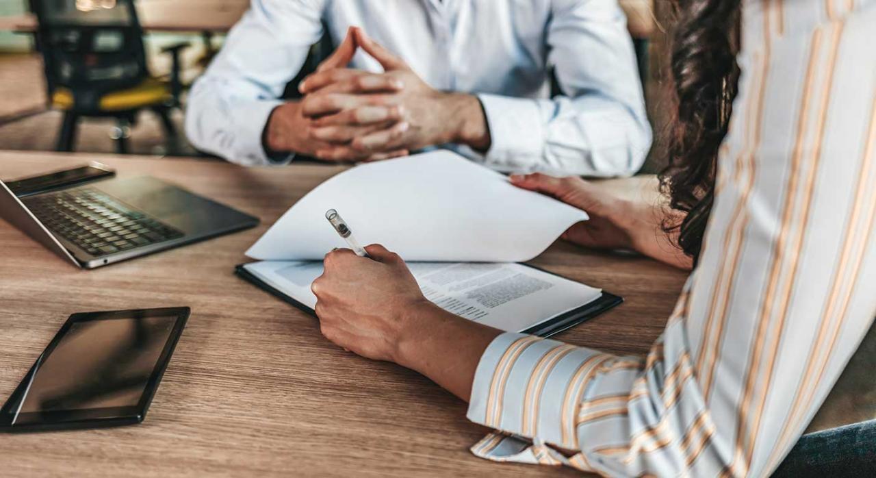 Reducción tipos itpajd. Imagen de una reunión de empresarios